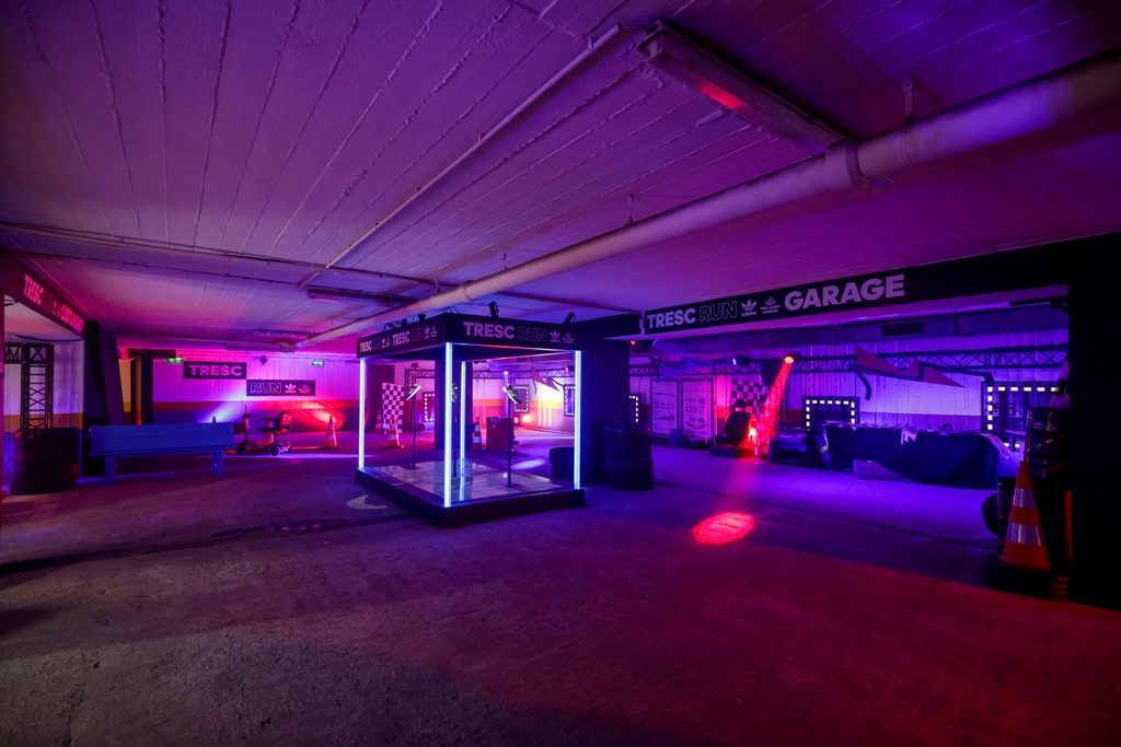 Tresc Adidas im x-berparking Parkhaus
